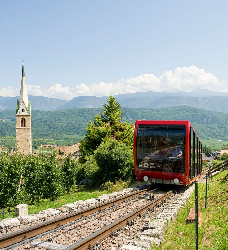Holiday experience: Free ride with the funicular to the Mendelpass-Passo Mendola