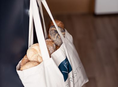Fresh bread | Bread roll service in the Villa Pernstich